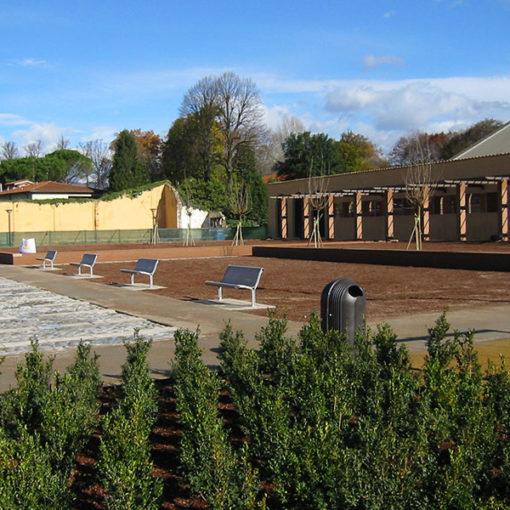 giardino pensile intensivo realizzato a copertura di autorimessa interrata - sistema Perliroof - piazza pubblica - Lucca