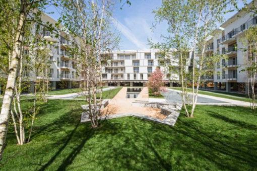 Perliroof - stratigrafia verde pensile intensivo con prato, arbusti e alberi - complesso residenziale - Varese