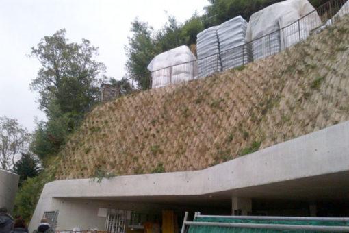 impianto di vegetazione inverdimento di scarpata con sistema a base perlite espansa