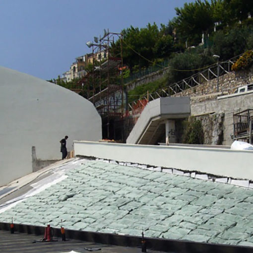 posa sacch Igroperlite su superficie inclinata a verde intensivo leggero - Auditorium - Ravello