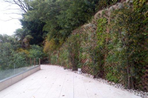rirpristino di scarpata con parete inverdita - sistema Perligarden