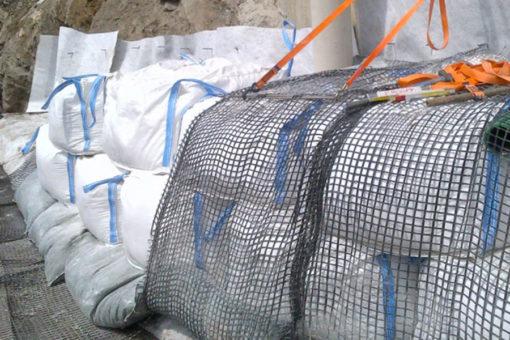 sacconi Igroperlite per riempimento scarpata griglie contenimento