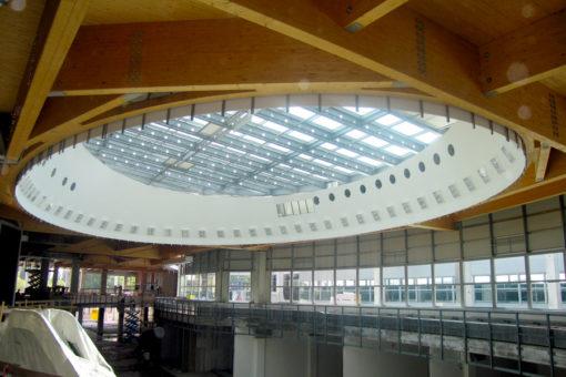 trattamento di resistenza fuoco su legno realizzato con vernice intumescente - centro commerciale